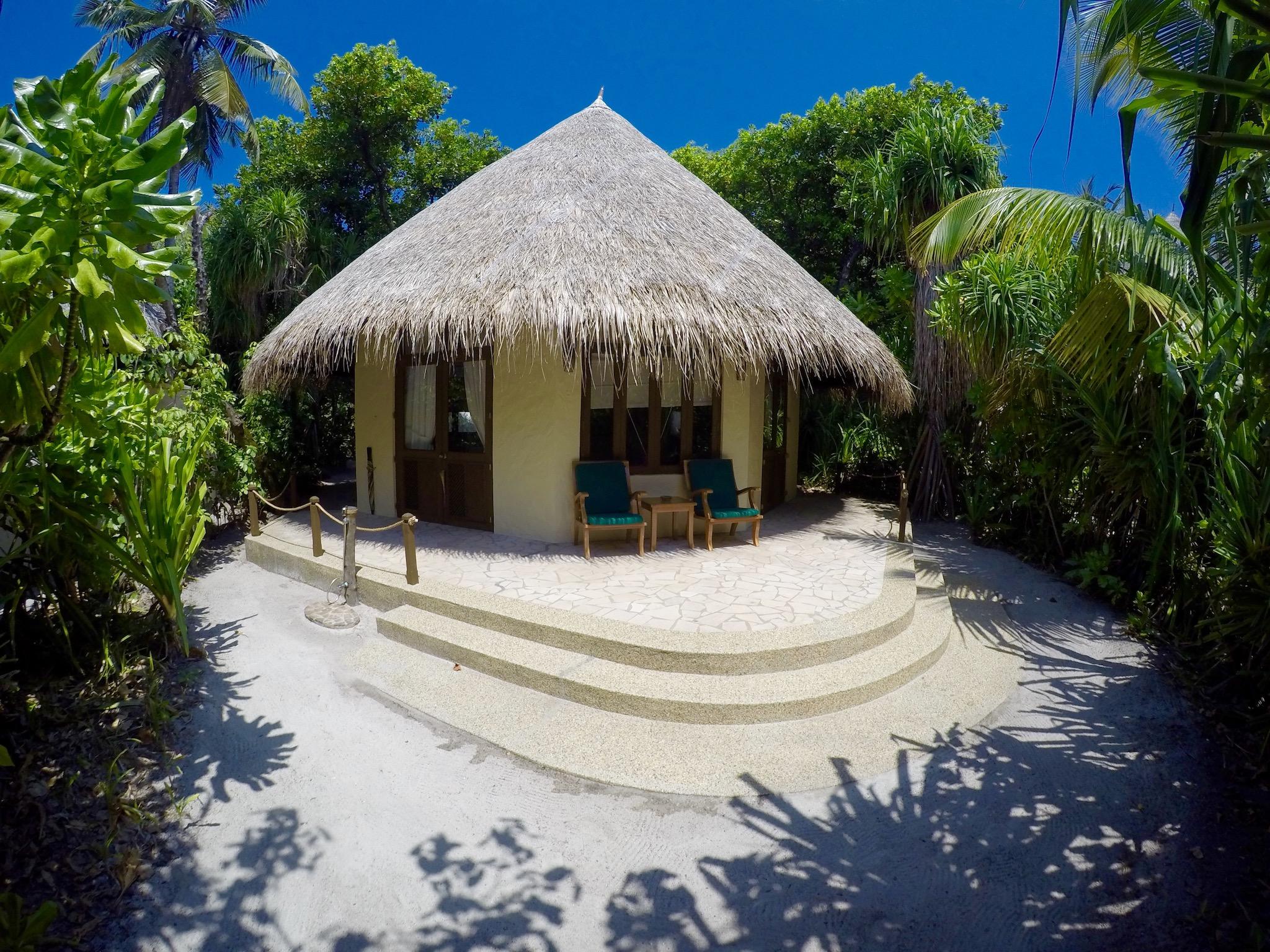 Beach Vila: Der erste Morgen auf den Malediven – angekommen im Paradies. Foto: Sascha Tegtmeyer Reisebericht Malediven Tipps