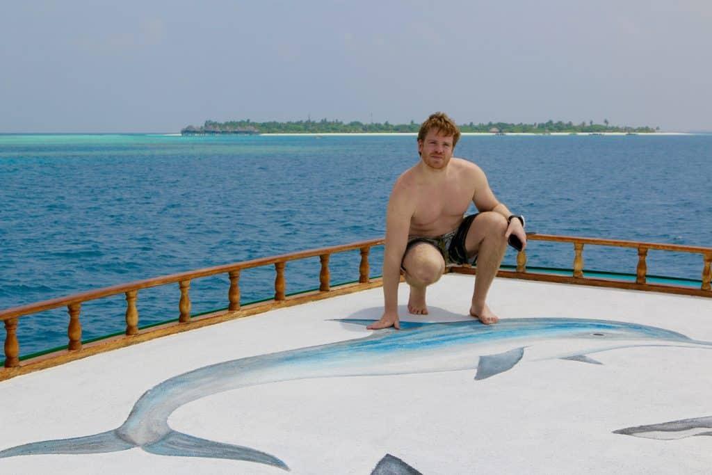 Eine Bootstour auf den Malediven geht immer – entweder zum Tauchen, zur Delfinbeobachtung oder auf dem Weg zu unbewohnten Inseln – man kann einfach unglaublich viel entdecken. Reisebericht Malediven Tipps