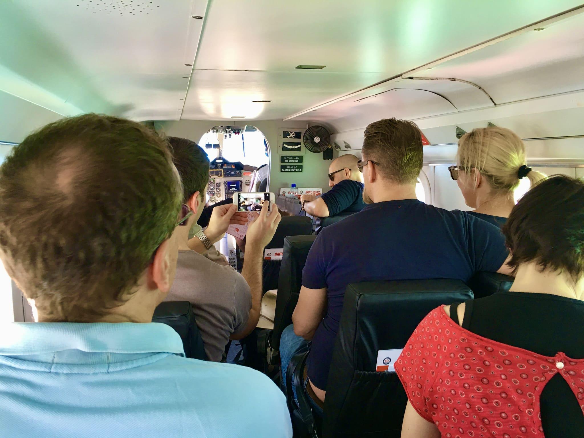Per Wasserflugzeug oder Schnellboot geht es dann auf die Hotelinsel. Foto: Sascha Tegtmeyer Reisebericht Malediven Tipps