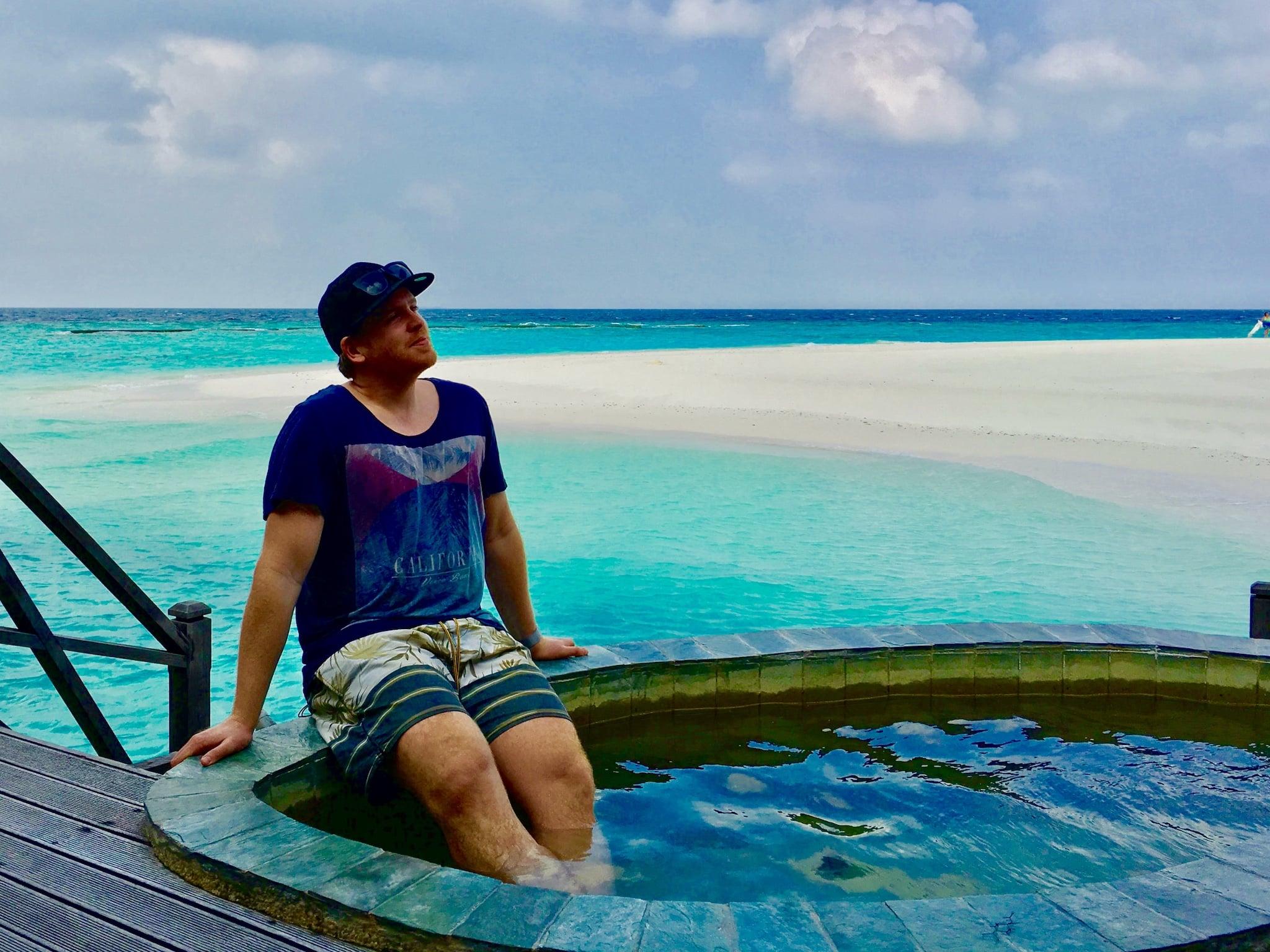 Einfach mal die Seele baumeln lassen und so richtig vom Alltag abschalten – das funktioniert auf den Malediven ganz wunderbar. Reisebericht Malediven Tipps