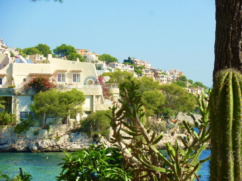 Die mediterrane Architektur auf Mallorca ist immer wieder ein Genuss. Foto: Sascha Tegtmeyer
