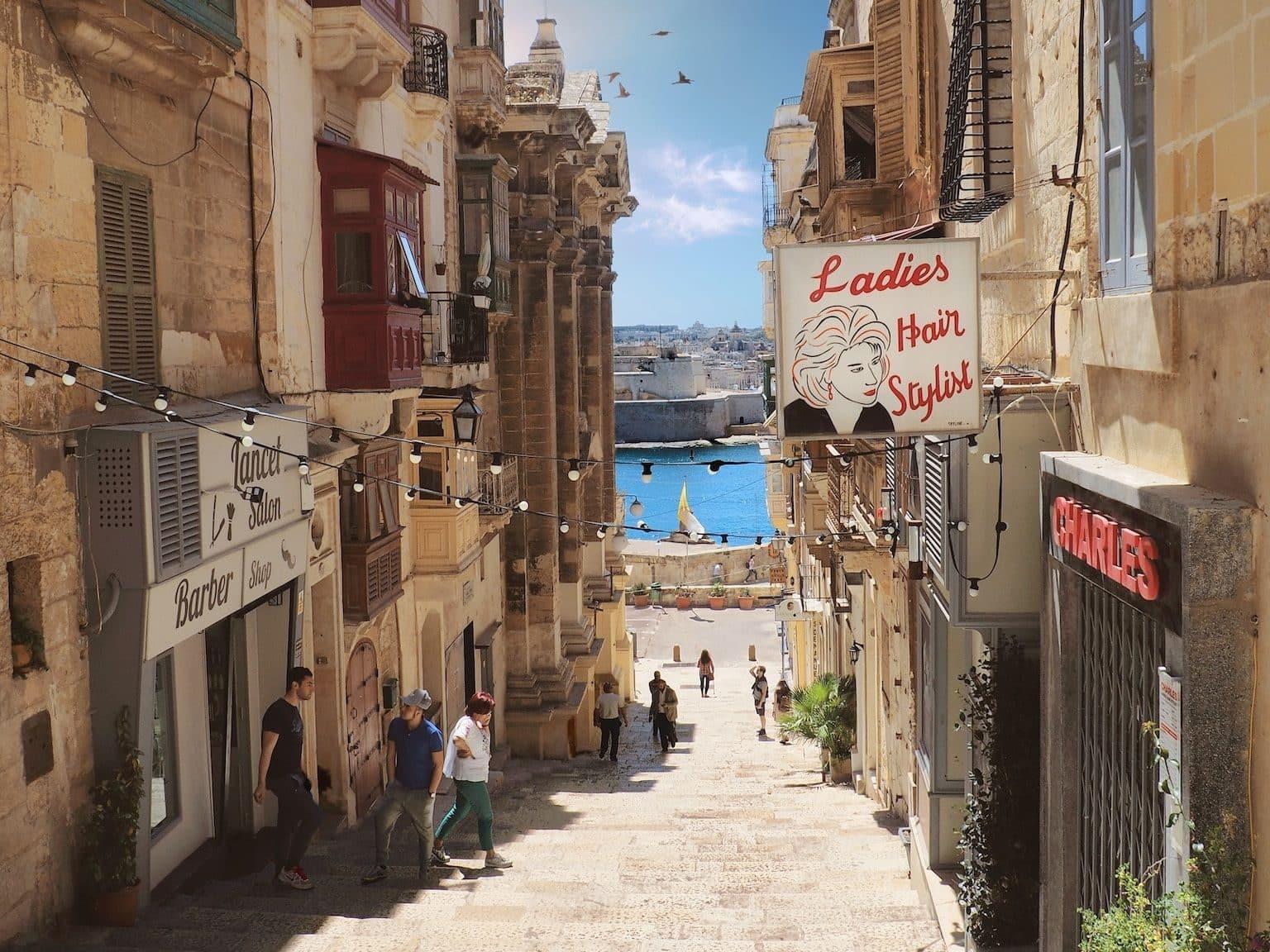 Malta ist das perfekte Reiseziel für Euren Sommerurlaub: günstig, warm und wunderschön. Foto: Unsplash
