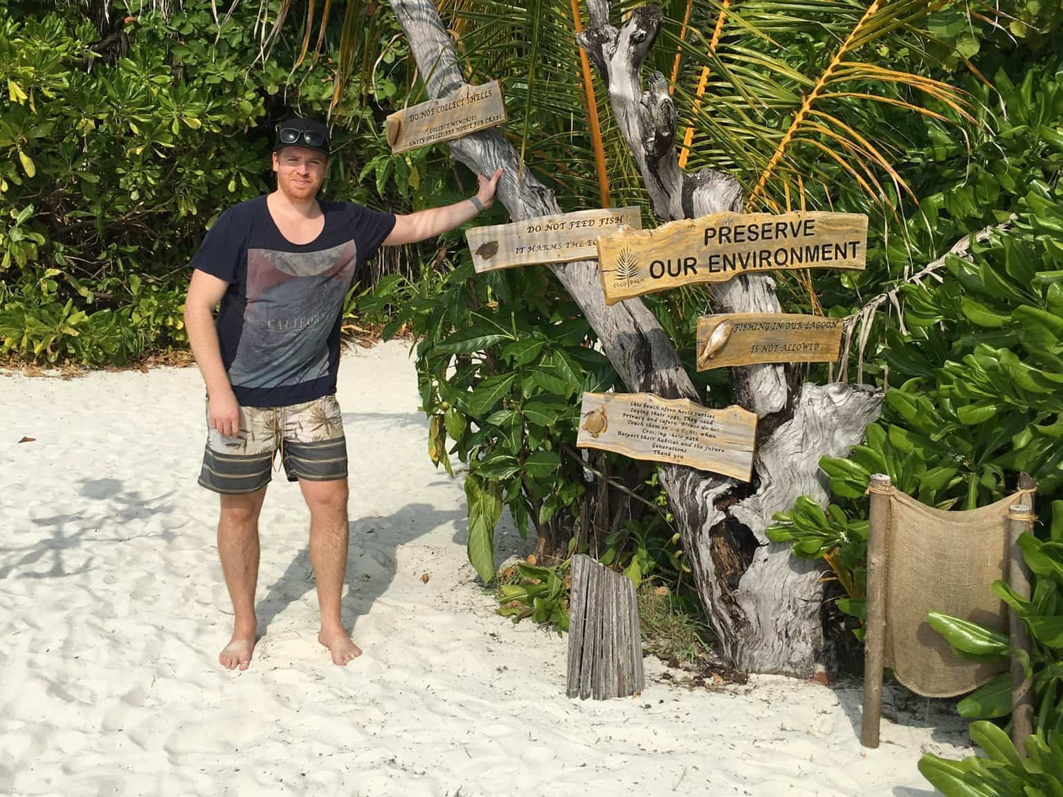 coco palm dhuni kolhu Sascha Tegtmeyer erkundet das Malediven-Paradies Coco Palm Dhuni Kolhu sowohl über als auch unter Wasser.