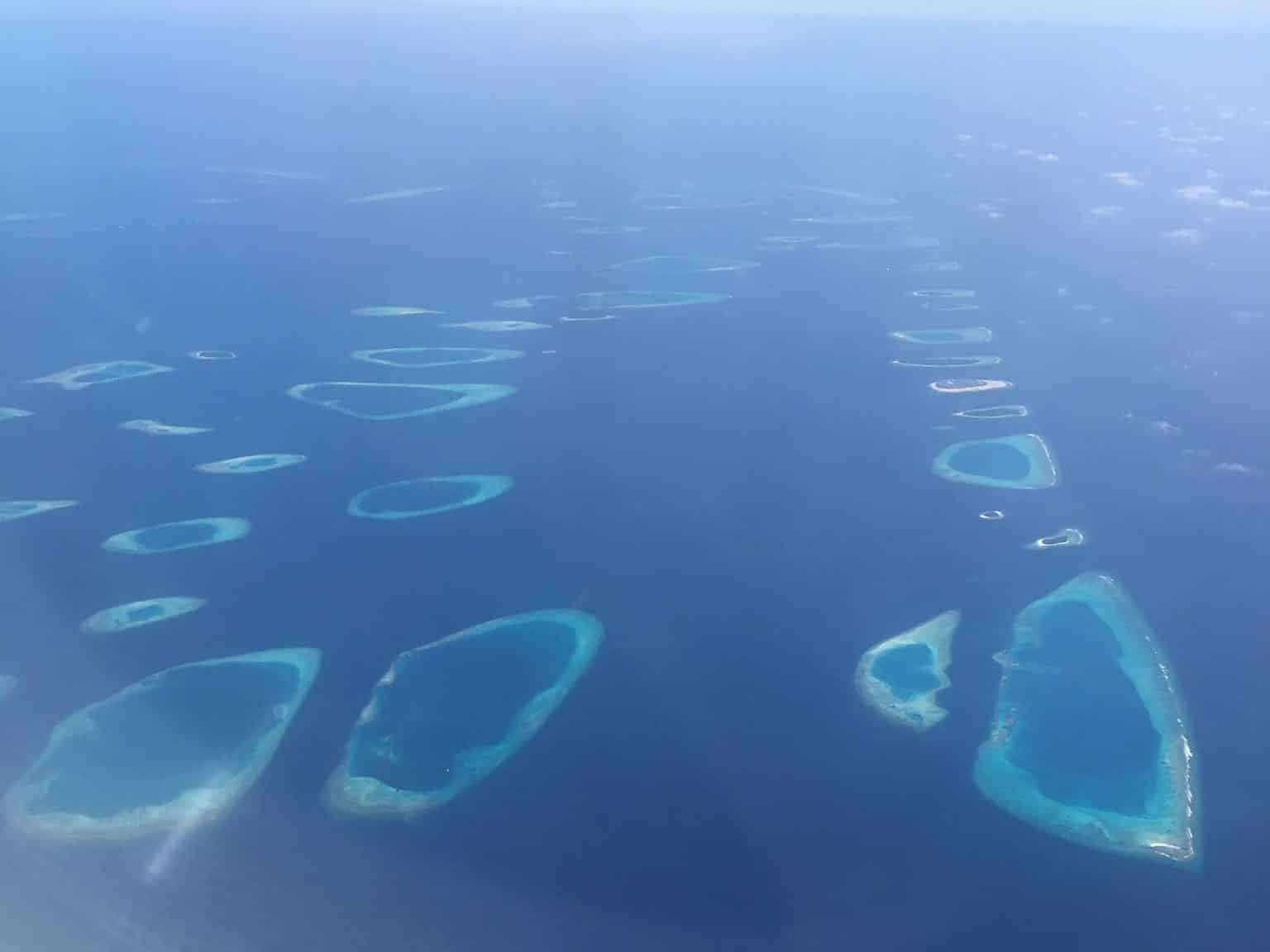 Malediven, Coco Palm Dhuni Kolhu, Tauchen, Schnorcheln, Korallenriff, DiveOcean Maldives, Segeln, SUP, Stand Up Paddling, Reisen, Urlaub, Wanderlust, Luxusurlaub, Resort, Resortinsel, Coco Collection Malediven aus der Luft: Das Reich der Atolle ist ein Paradies auf Erden! Foto: Sascha Tegtmeyer